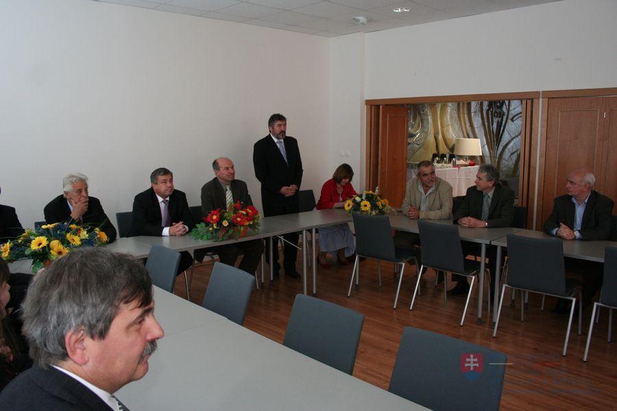 Kontrolný deň na stavbe novej budovy FIIT STU v Bratislave (10. máj 2010  Bratislava) febcabd32bf